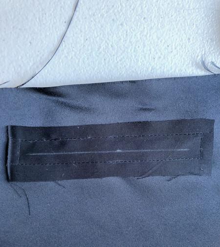 8. Front Zipper