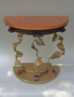 Demi Luna Table