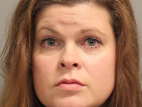 Une prof condamnée à 20 ans de prison pour avoir abusé de deux élèves dans une camionnette