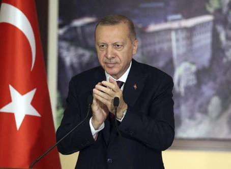 TURQUIE : Une loi pour le contrôle des réseaux sociaux divise