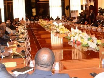 Sexualité-pédophilie: les contenus du téléphone d'un ministre de Biya mis en ligne