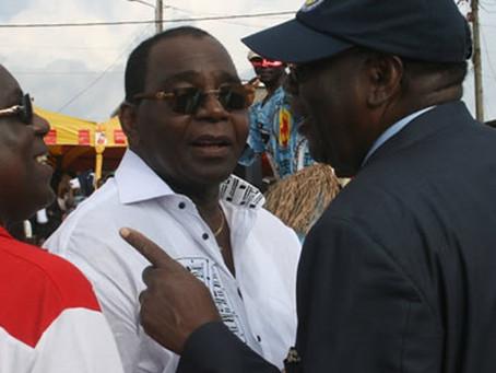 Mbarga Mboa demande pardon à la dépouille de sa femme lors de son enterrement