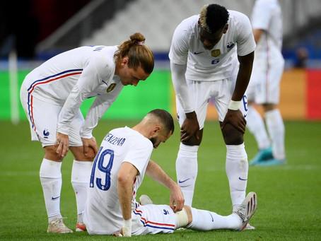 FOOTBALL : La France enchaîne mais s'inquiète pour Benzema