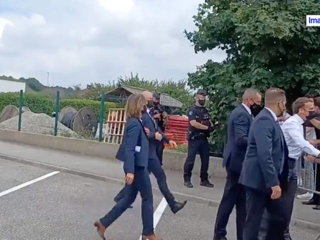 """""""Il faut relativiser"""": après son agression, Macron dénonce """"un fait isolé"""" """"d'individus ultraviolent"""