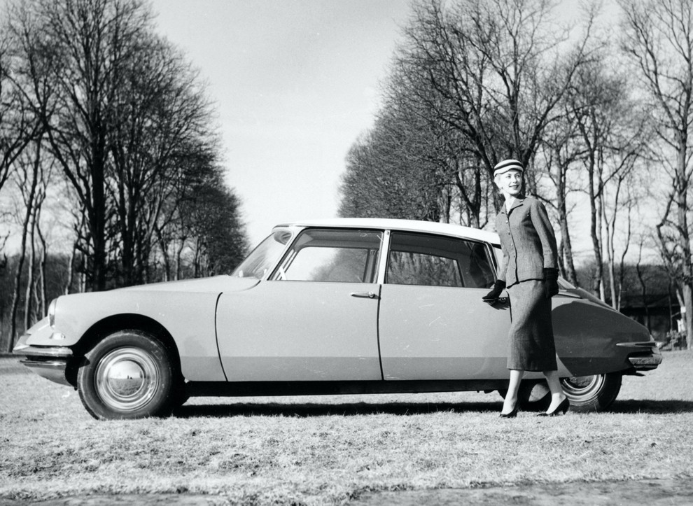 Photo of the French Citroën DS19, an elegant and revolutionary car Launched in 1955