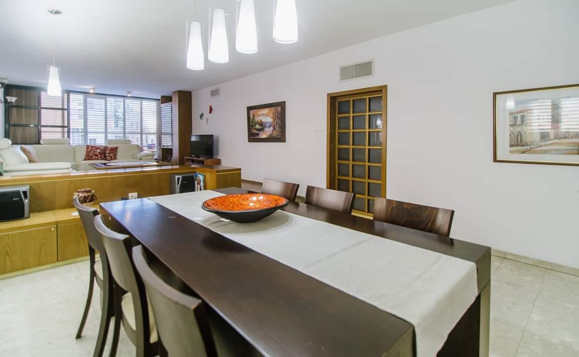 דירה למכירה 4 חדרים ברחוב ברנדה3