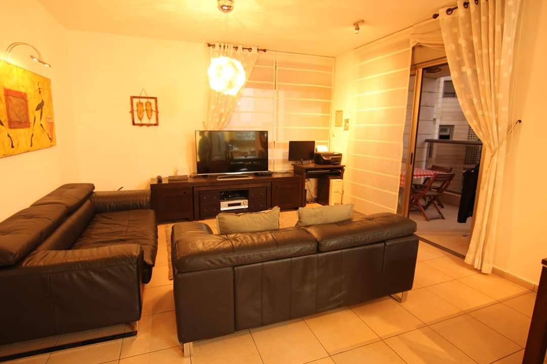 דירת 4 חדרים שעונה לצרכים שלכם1