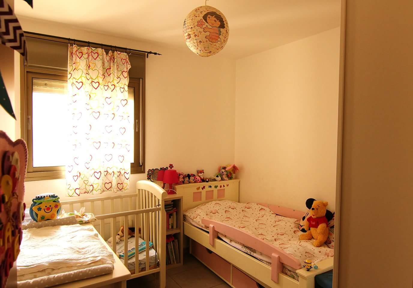 דירת 4 חדרים באם המושבות10