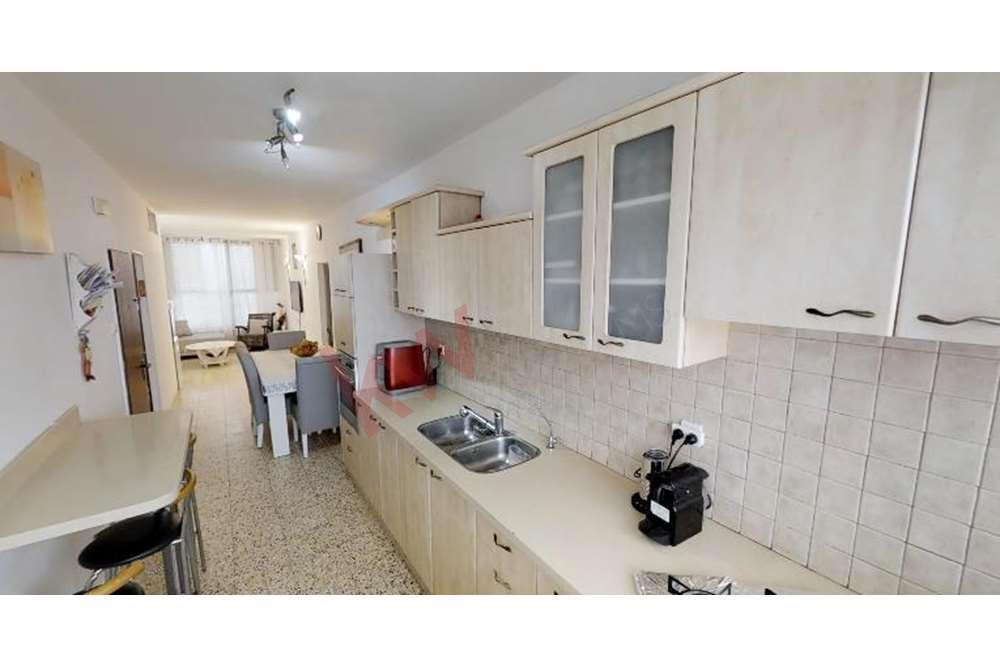למכירה דירת 3 חד' בהרב צירלסון 8, פתח תק