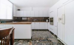 דירה למכירה 4 חדרים ברחוב ברנדה4