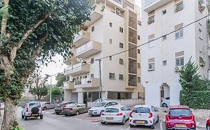דירת 4 חדרים ברחוב חנה סנש 3