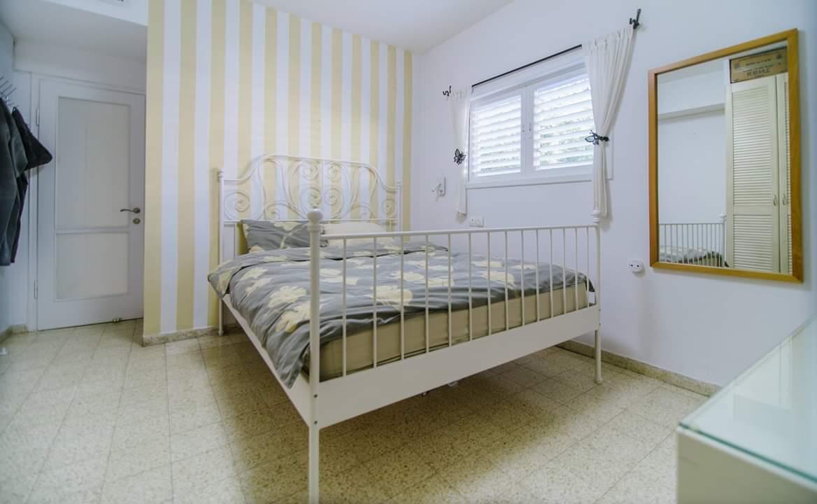 דירה למכירה 4 חדרים ברחוב ברנדה10