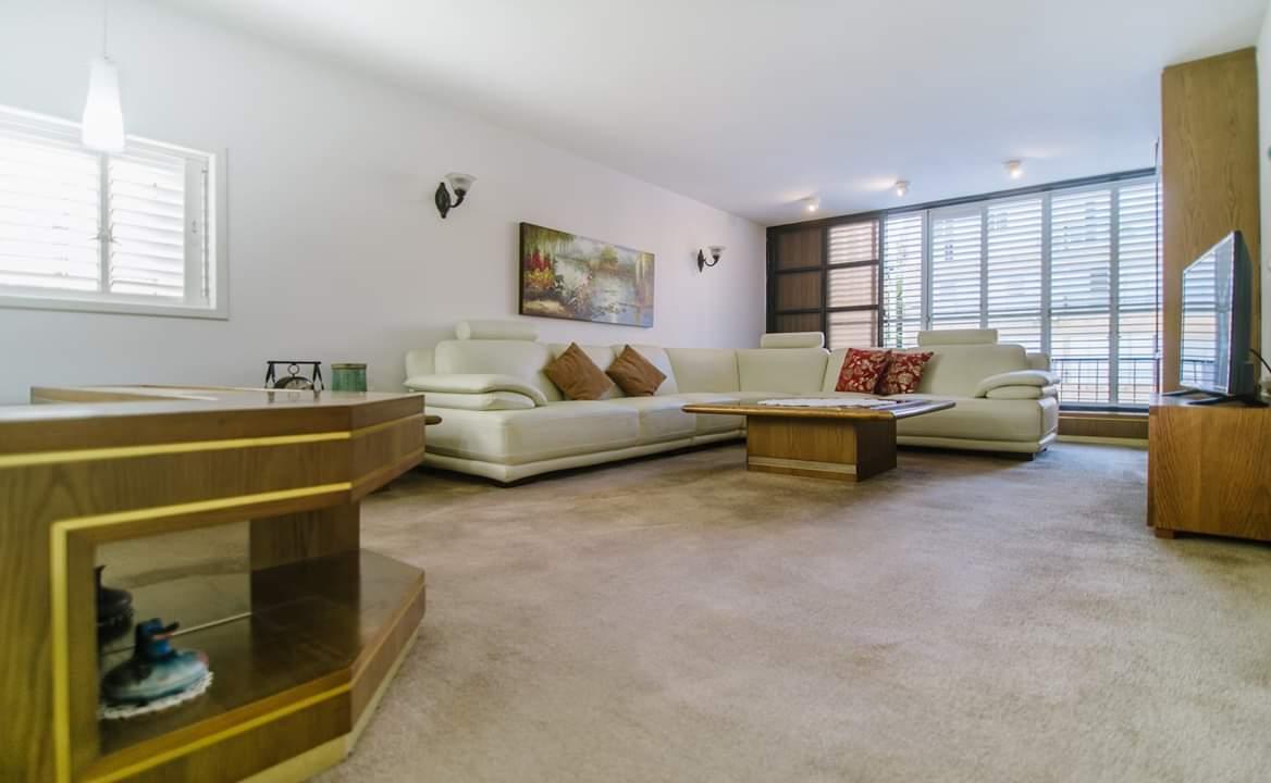 דירה למכירה 4 חדרים ברחוב ברנדה2