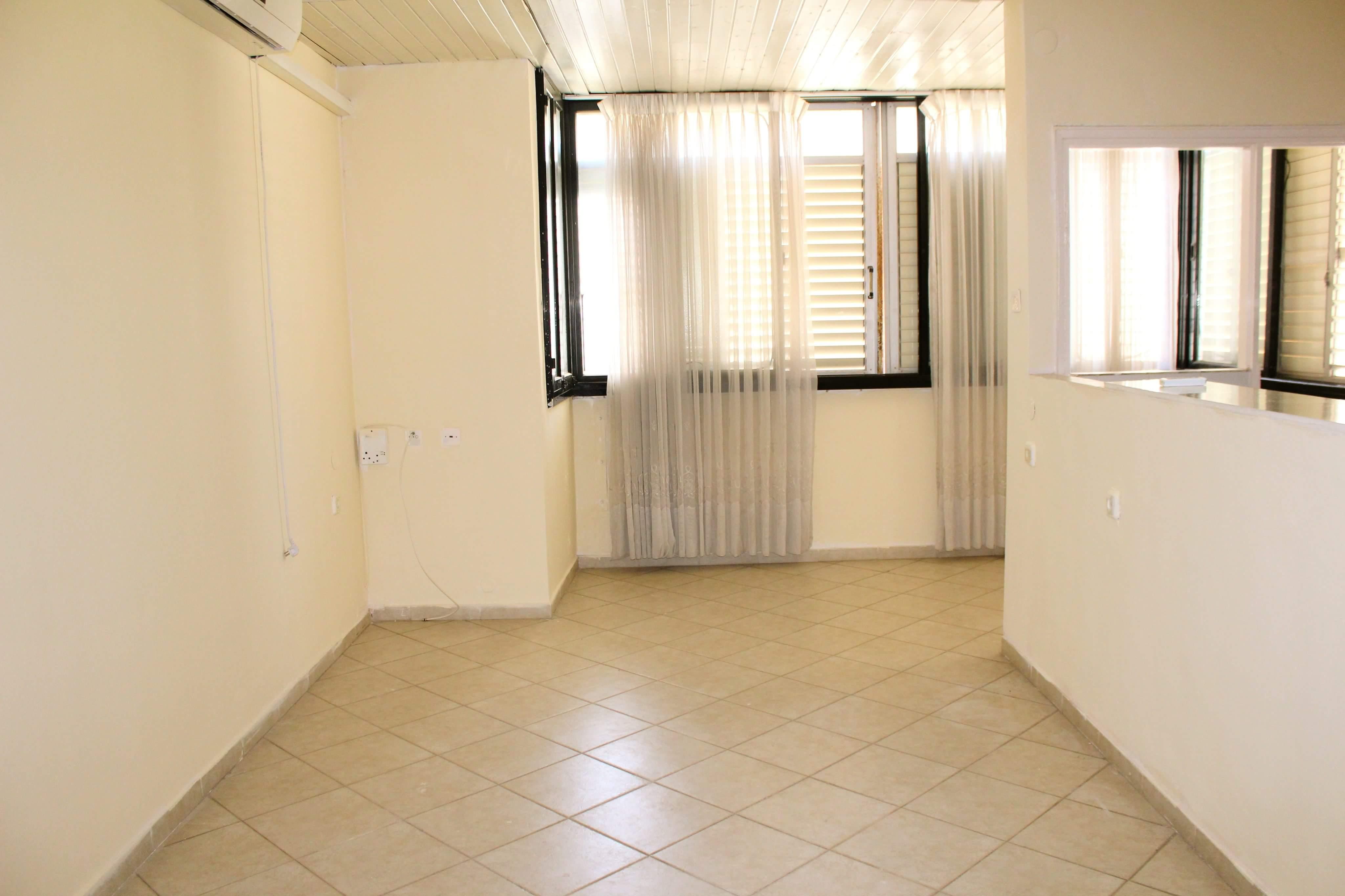 דירת 3 חדרים בסלומון