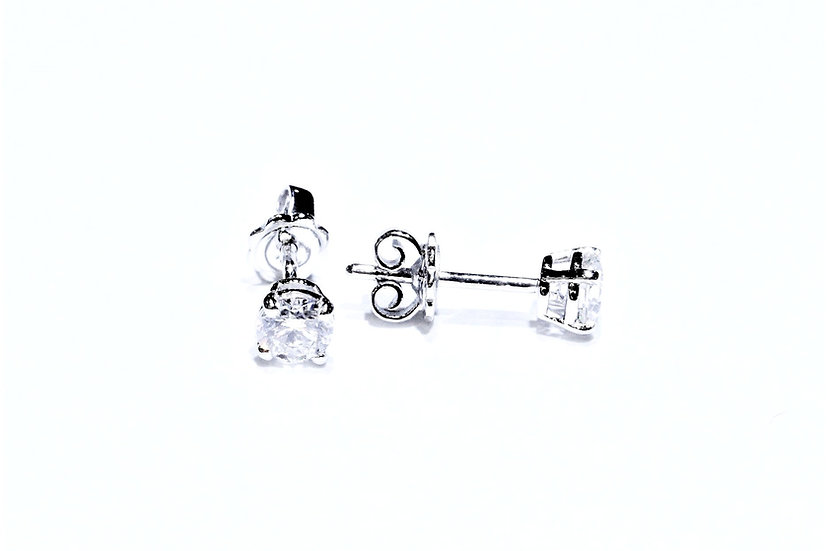 Phoenixjewelry Single Diamond Stud Earring