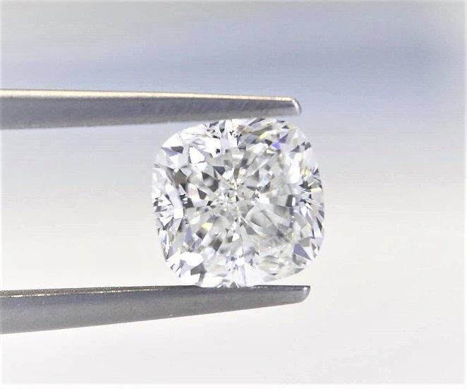 HRD rare Cushion Phoenixjewelry  White diamond 3.03 cts.