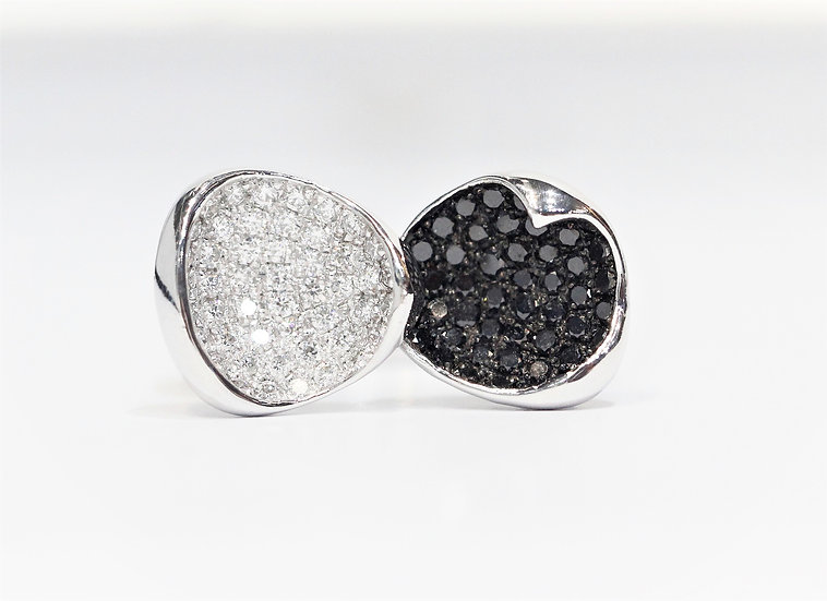 phoenixjewelry Black&white diamonds ring