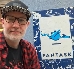Jannik elsker tegneserier og Sci-fi. Når han ikke skriver på egne bøger skriver han for Fantask.