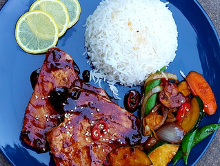 Sticky Tuna Steak With Stir Fry Vegetables