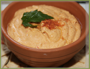 RED PEPPER HUMUS