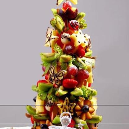 £15 - Fruit Art & Baking - Christmas Fruit Tree