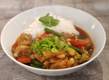 Tumis Ayam Sayur Kacang (Indonesian stir-fried chicken with vegetables and peanuts) Recipe