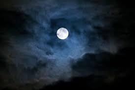 La Lune est électrique, surtout quand elle est pleine !