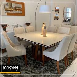Sala de jantar com 8 cadeiras