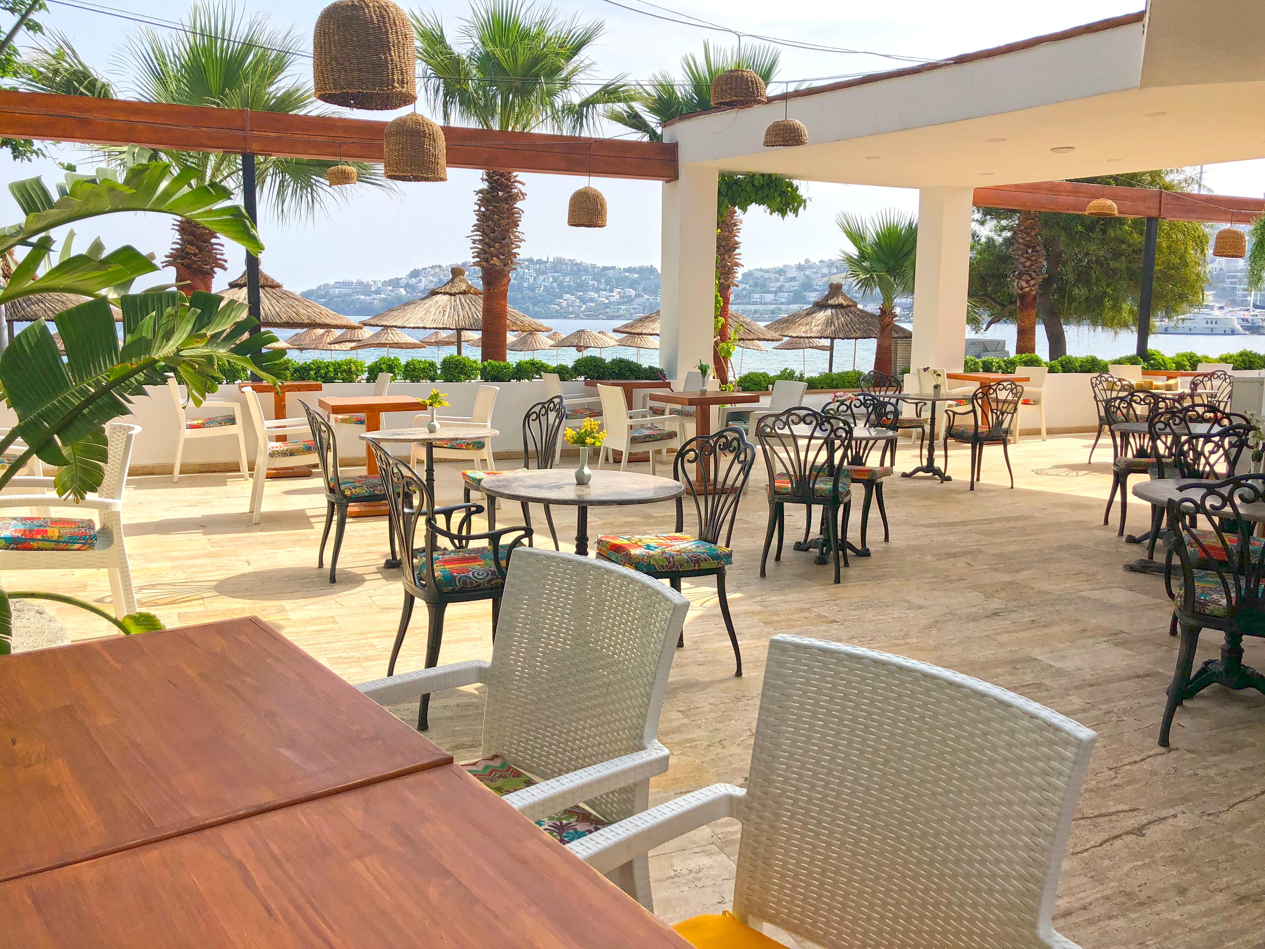 12 Restaurant