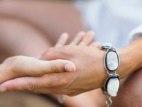 healing-hands-of-a-spiritual-healer-1536x1024-1.jpg