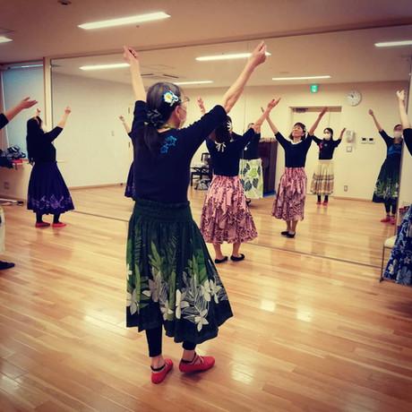 フラダンスの練習