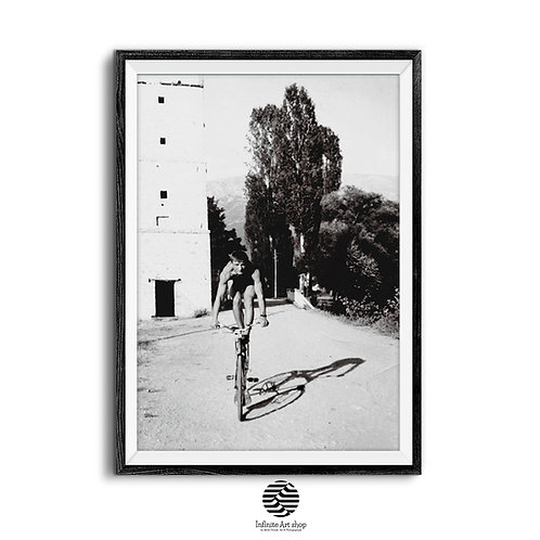 Retro Black and White Photography,Cycling Poster,Vintage Bicycle Wall Art,Vintage Bike Wall Decor,Digital Download,