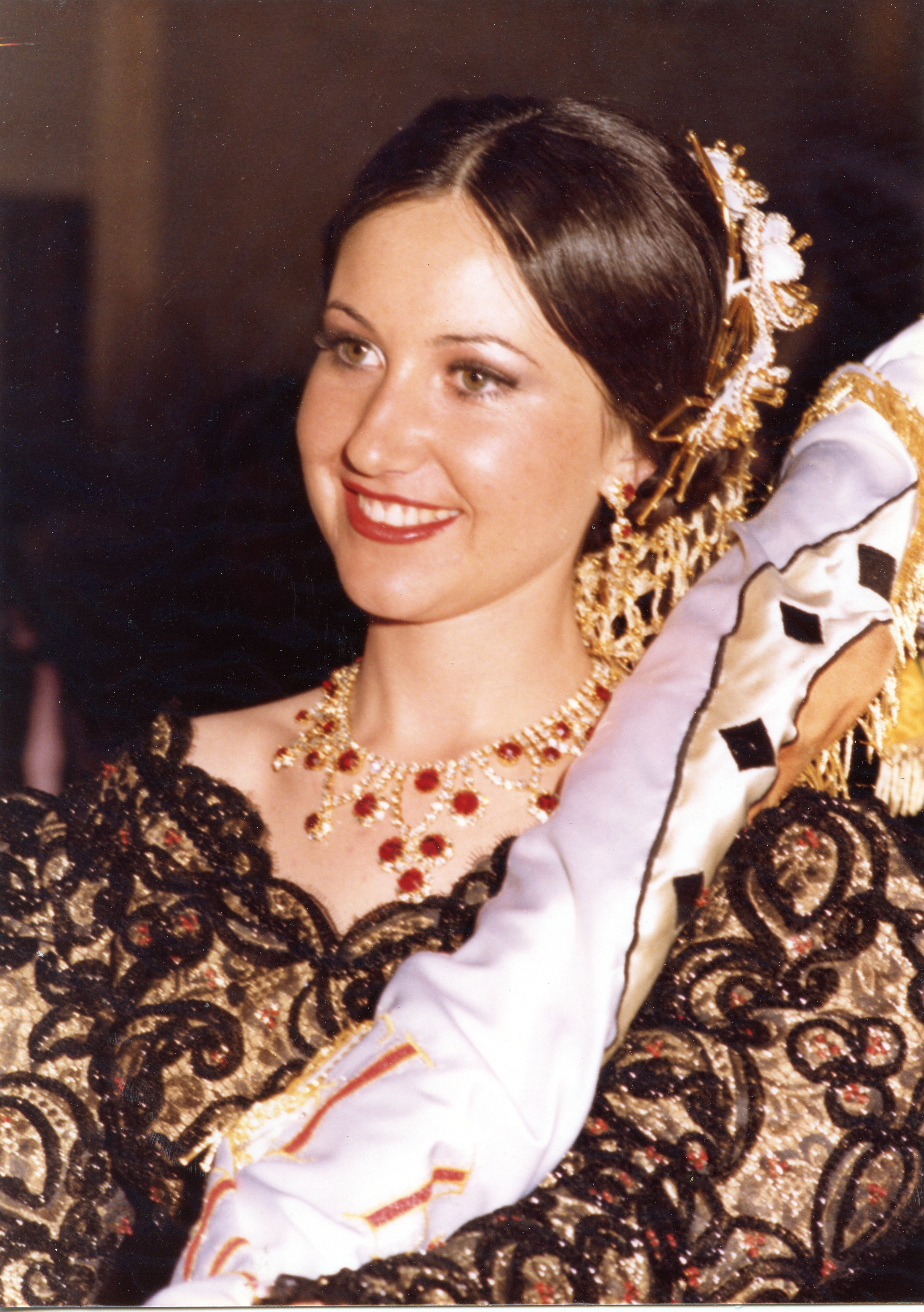 1981 Mª Amparo Maestre Requena