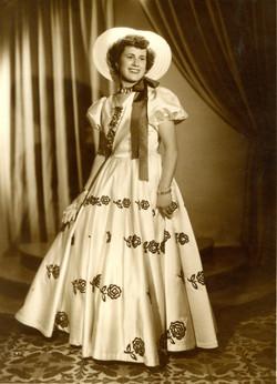 1953 Amalia Poveda Poveda