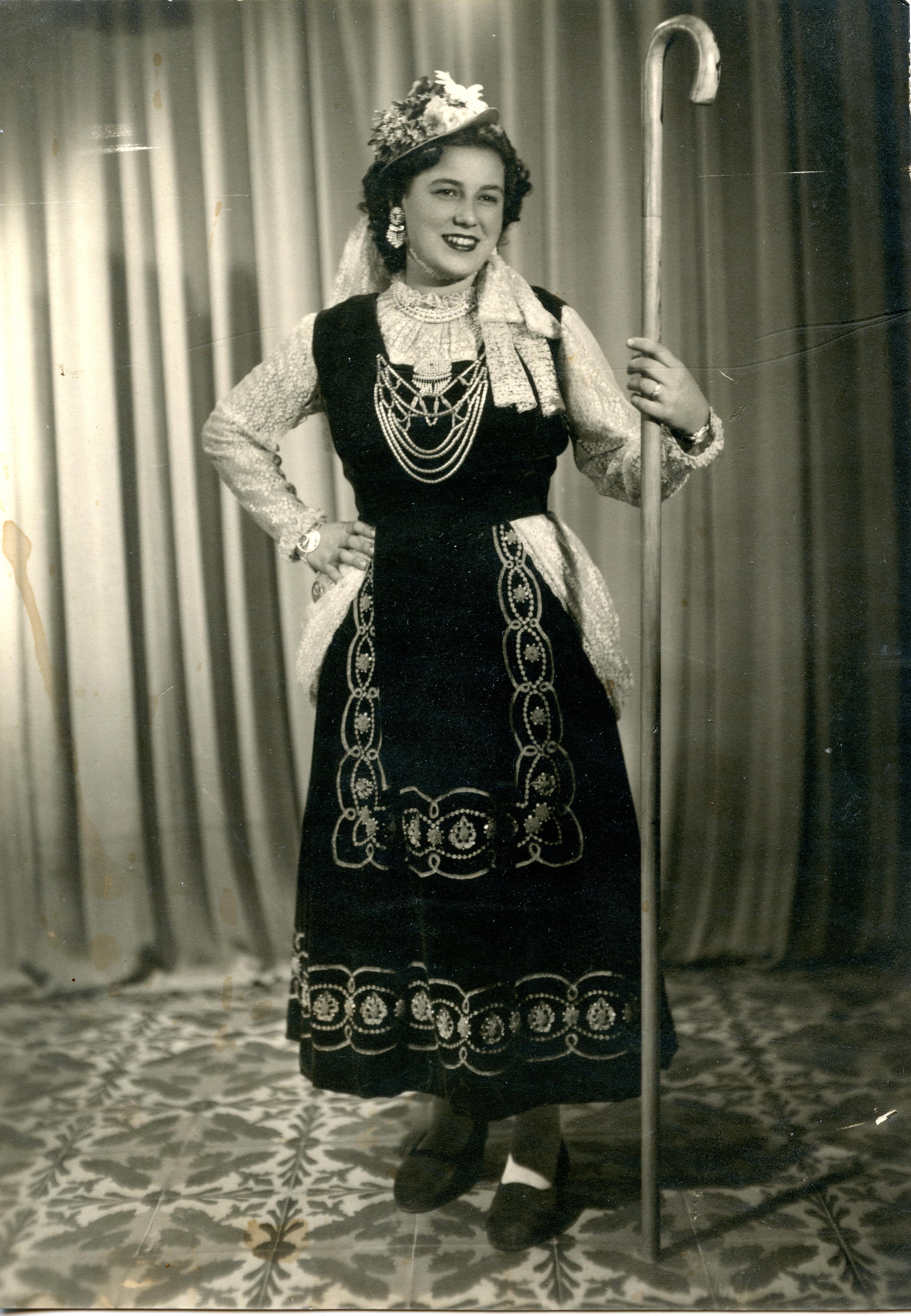 1952 Antonia Carbonell Giménez