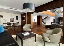 presidential-suite-working