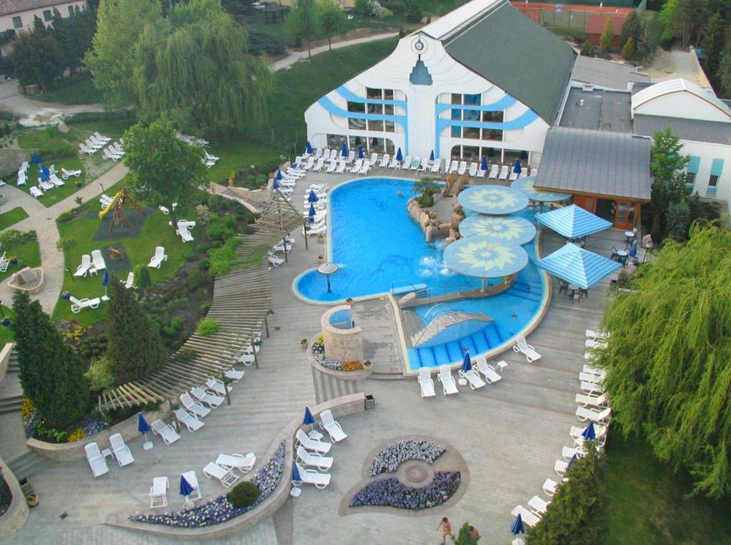 Among gardens in the town center, this refined hotel is a 10-minutes' walk from the Lake Hévíz. There's a cafe, a bar and a restaurant, along with thermal pools and a Mediterranean-inspired water park. Other amenities include a spa, a wellness center, a gym and tennis courts.