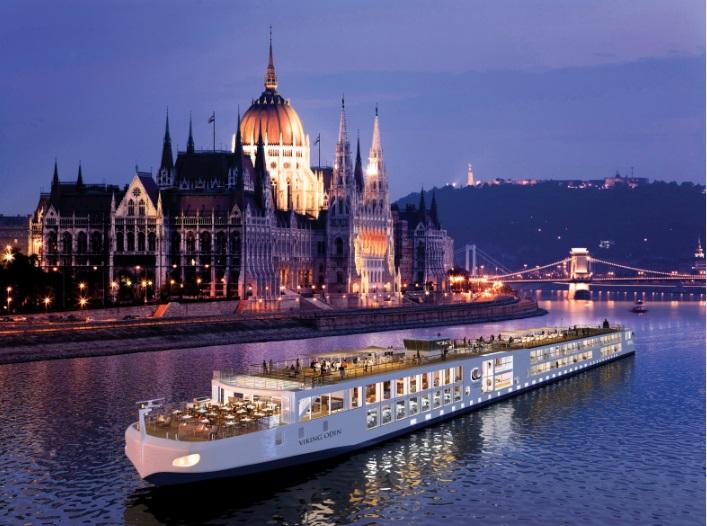 Evening Cruise - Danube Legend