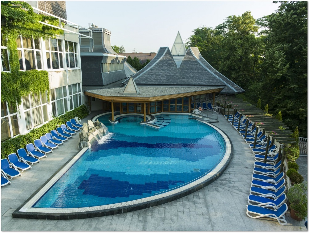 Outdoor Hydro Pool