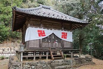 日龍峯寺薬師堂
