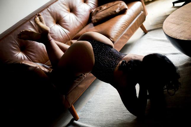 buttpose-sofa-photoshoot-sensual.jpg