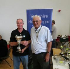 Best lutino - Graham Turner & YBS president Geoff Moore