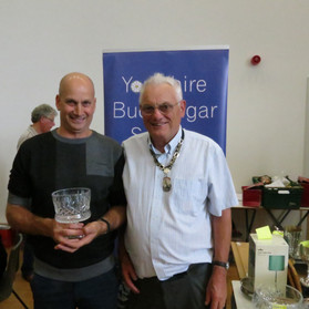 Best beginner any age & young bird - Robin Ford & YBS president Geoff Moore