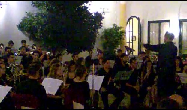 La Banda Sinfónica del Real Círculo de la Amistad en el Patio del Frontón de su casa, el Real Círculo de la Amistad de Córdoba, el pasado 11 de Junio de 2011