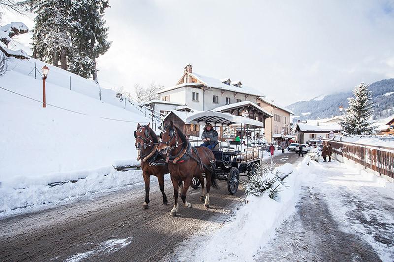 Snowcoach St Gervais-44small.jpg