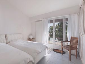 Rechazo rotundo de los hoteleros al decreto de Cifuentes sobre Airbnb