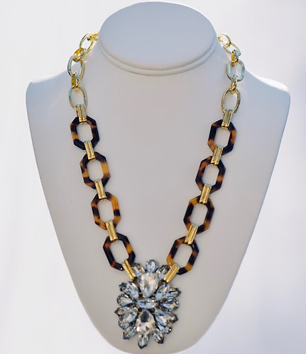 Turtoise shell color and crystal necklace