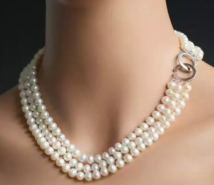 Three row Freshwater pearl with heart closure