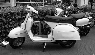 old-scooter-in-b-w-1429536-639x374.jpg