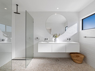 Bathroom 01 LR.jpg